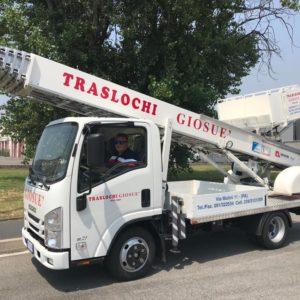 Italia Elevatori consegna una PE330 alla ditta Traslochi Giosuè di Palermo